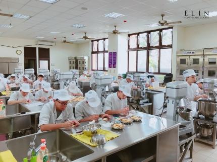 北斗家商餐飲技術科烘焙糖霜餅乾課程