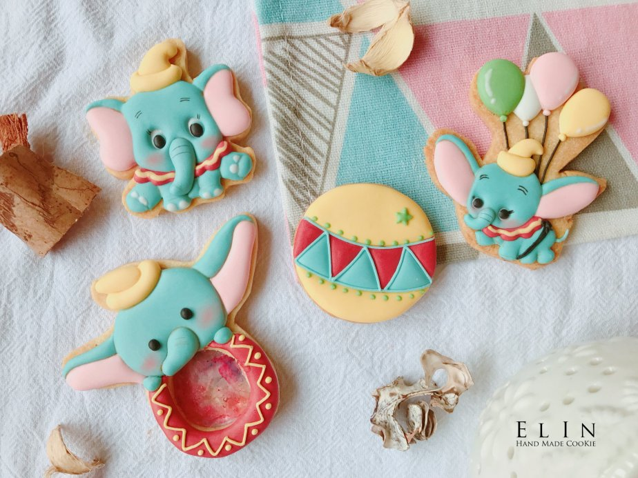 Dumbo_royalicing_icing_cookie