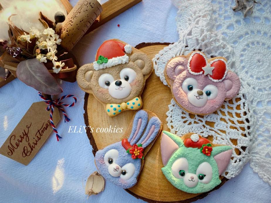 royalicing_cookie_chritsmea_disney